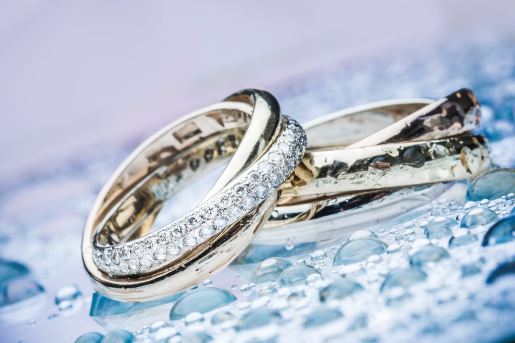 engagement rings with lab created diamonds